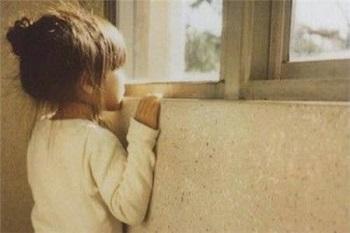 孩子越来越胆小是什么原因呢?