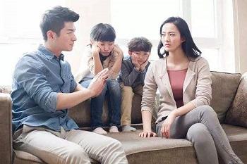 如何解决父母和孩子之间的矛盾呢?