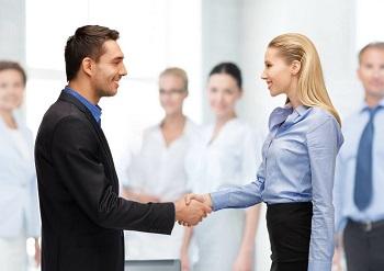 如何处理职场上和同事的矛盾呢?